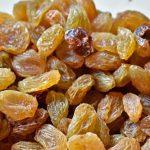 Can a diabetic eat Raisins
